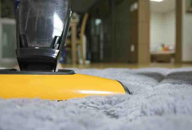 Comment enlever de la moquette collée sur un escalier ?