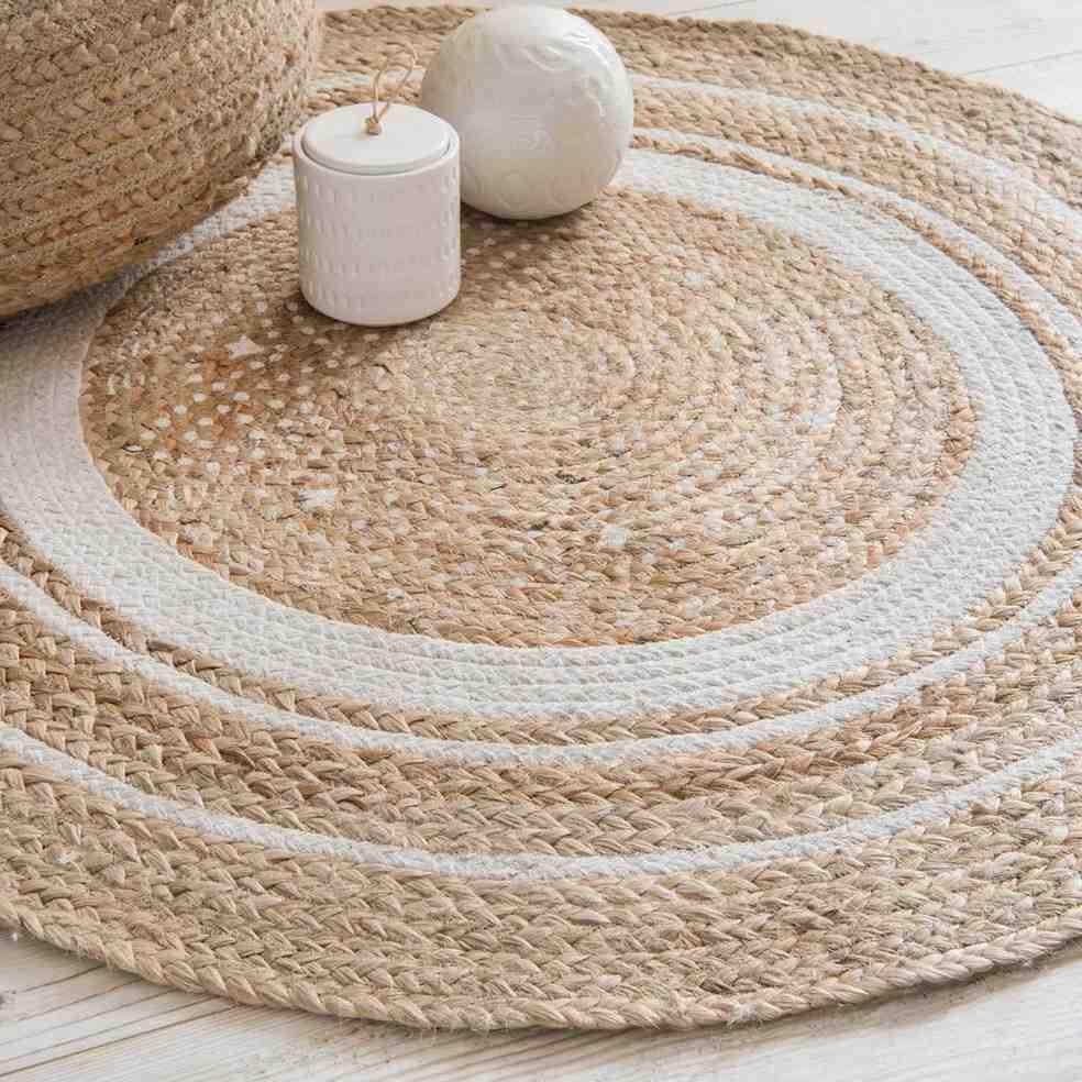 Comment nettoyer un tapis avec du vinaigre blanc ?