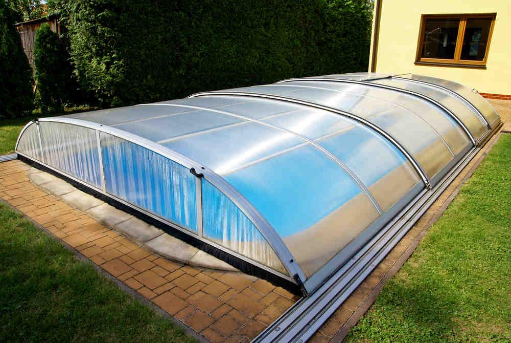Comment couvrir une piscine hors sol ?