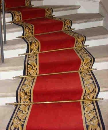 Comment habiller un escalier avec de la moquette ?